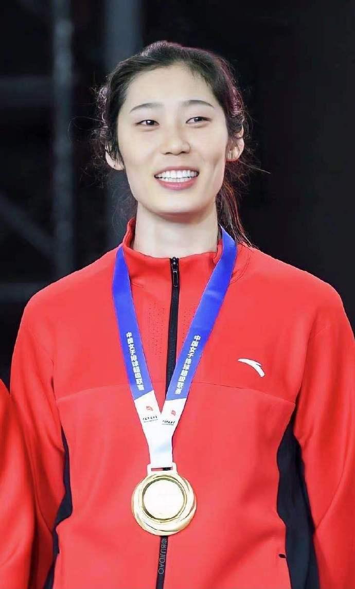 新一届中国女排集训大名单揭晓 朱婷领衔19人明年1月6日开练